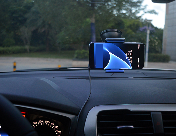 Bracket charging in one, wireless car charger makes travel more convenient